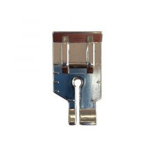 Progettato per guidare il quilting e il patchwork con margini di cucitura di 6,4 mm o 3,2 mm._0